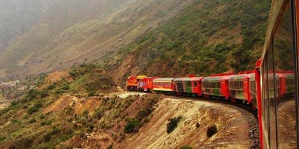 Viaja de Jauja a Huancayo en el tren turístico durante los feriados de APEC
