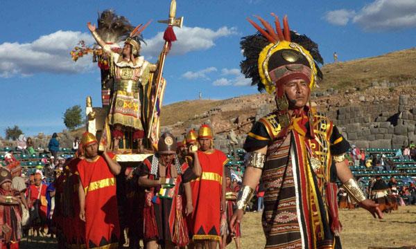 Turistas Inti Raymi