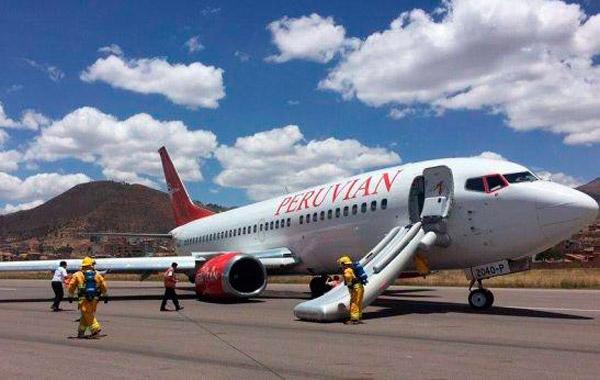 Cusco: avión de Peruvian Airlines sufre desperfecto en pista de aterrizaje del aeropuerto