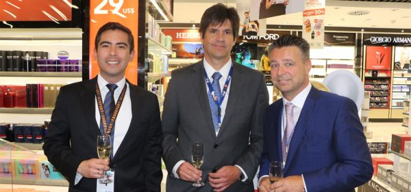 Juan José Sanchez, Category Manager Duty Free de Lima Airport Partners, Juan José Salmón, Gerente General de Lima Airport Partners y René Riedi, CEO de Dufry Latinoamerica
