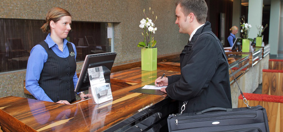 Especialización en Alta Gerencia Hotelera con la USMP