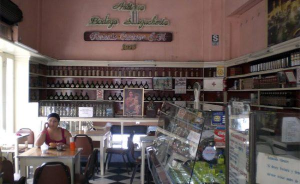 Ruta Gastronómica por el centro histórico de Lima - Bodega Carbone