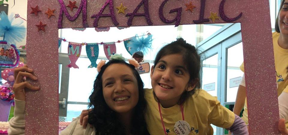 Fundación Something Maagic y American Airlines cumplen sueño de niñas peruanas en Orlando