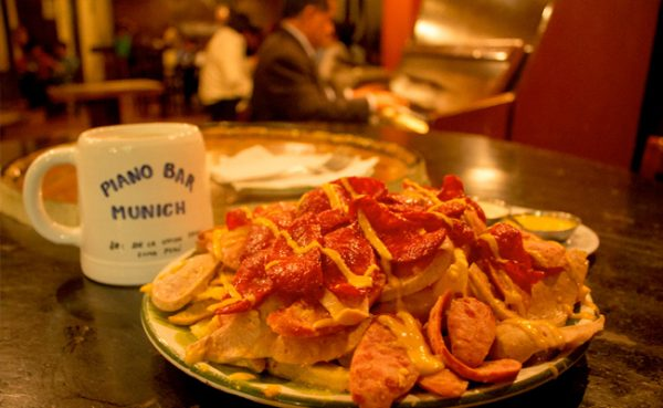 Ruta Gastronómica por el centro histórico de Lima - Munich Piano Bar