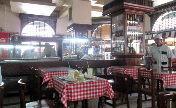 Ruta Gastronómica por el centro histórico de Lima - Panaderia Huerfanos Lima