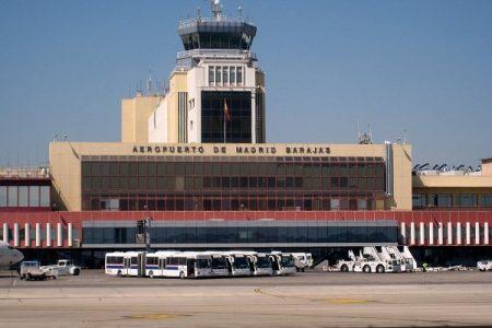 Parlamentario Andino denuncia que 400 peruanos son devueltos cada mes de Madrid