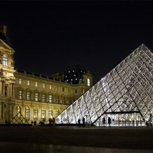Booking: París y Barcelona son los destinos más populares entre los viajeros primerizos