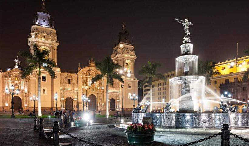 Lima de noche, visita la capital