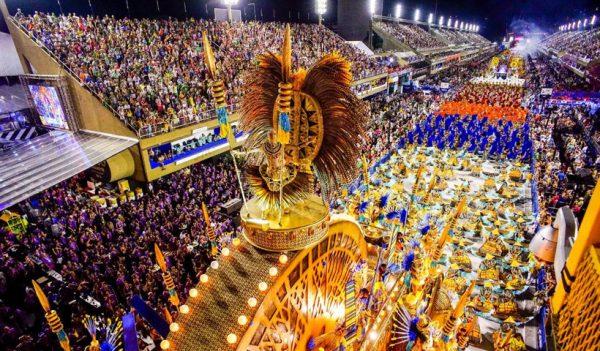 Carnaval de Rio de Janeiro, turistas peruanos