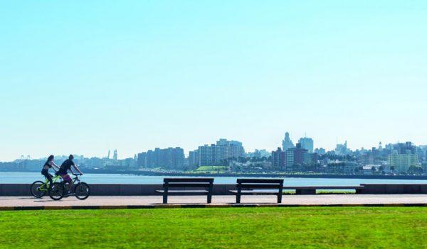 Tour por la Rambla de Montevideo, paseo en bicicleta por el Río La Plata