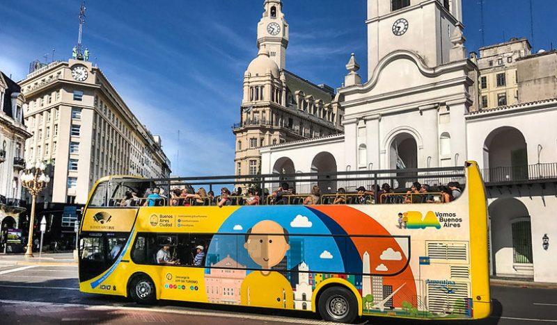 Bus turístico con audioguías por Buenos Aires