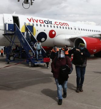 Viva Air transporta pasajeros durante la pandemia