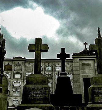 Tour del Miedo en el Cementerio Presbítero Maestro