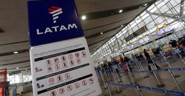 Latam implementa piloto de pasaporte sanitario en rutas internacionales