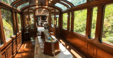 Viaja a Machu Picchu en el tren PeruRail Expedition